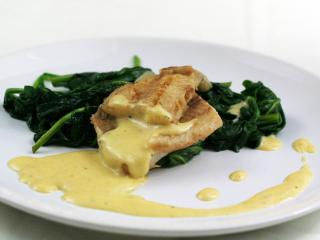 Cod with hollandaise sauce