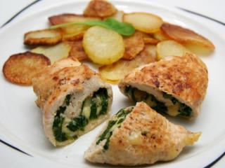 Chicken rolls stuffed with spinach