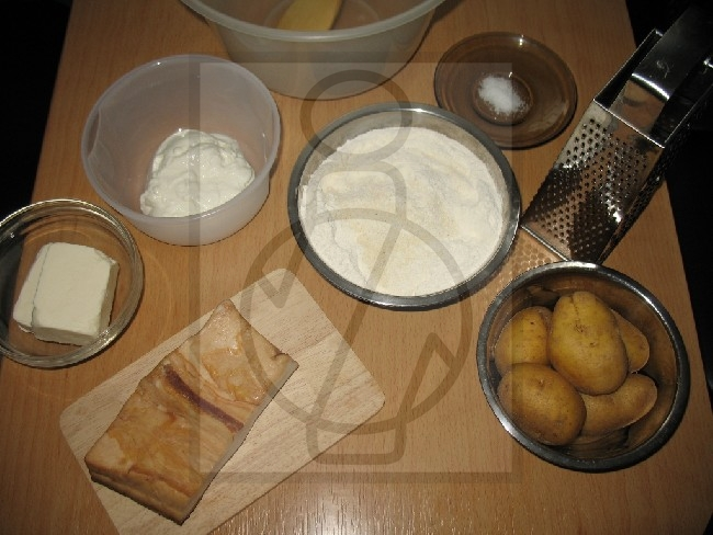 Preparation of batter for the potato dumplings