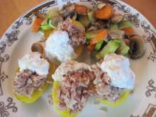 Baked potatoes with tuna