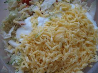 Mixing of salad