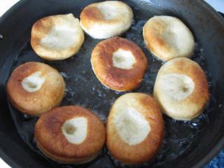Frying of doughnuts