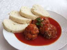 Meat Balls with Dumpling and Sauce
