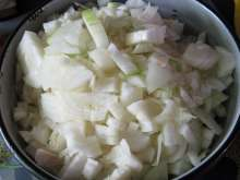 10 a.m. Preparation of onion - as much onion as it is meat