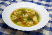 Spring soup with semolina dumplings
