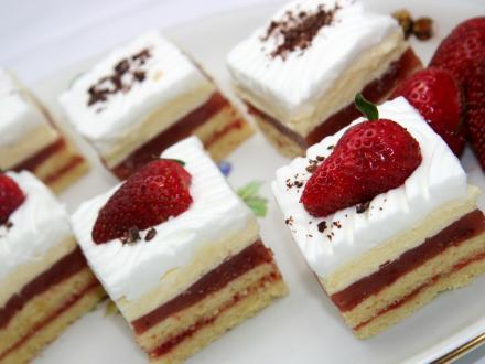 Celebration strawberry slices