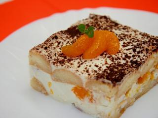 Curd and sour cream dessert