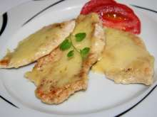Baked chicken breasts with cheese and cream