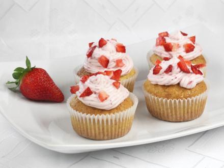 Strawberry Cupcakes with Mascarpone Cream