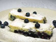 Sponge Cake with Blueberries