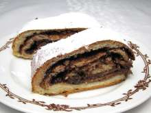 Cocoa and walnut roll