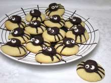 Marzipan Spiders