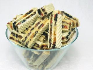 Stuffed fruit wafers
