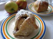 Apples in puff pastry (in dressing gown)