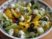 Mixed salad with cheese balls