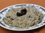 Oatmeal with prunes and poppy