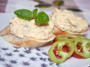 Cream cheese salad with onion